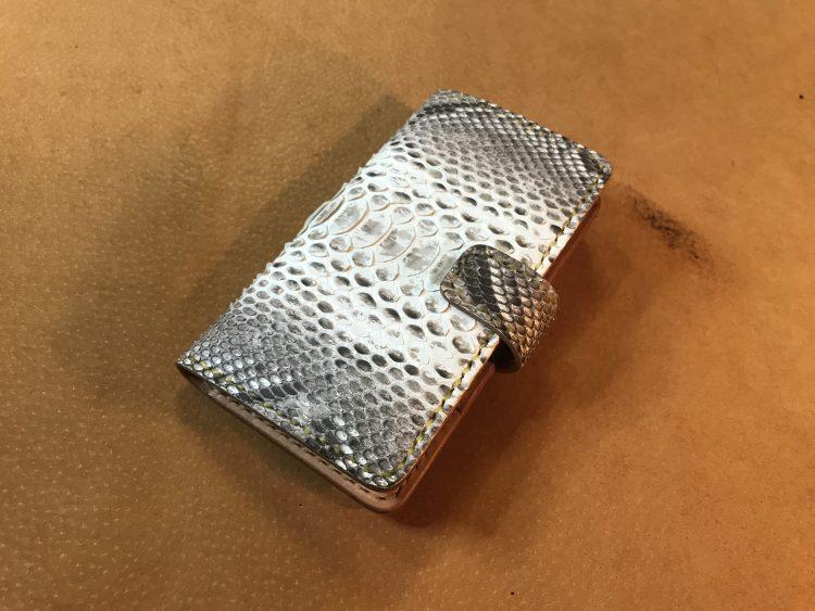 手帳型カバー